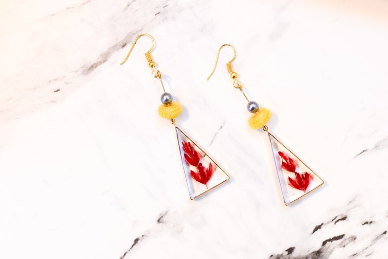 参楼[绯色遗族Earrings]Dry flower earrings|Triangle|