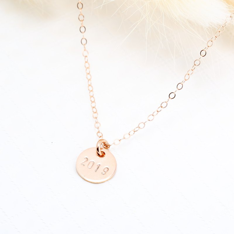 Custom 14kgf rose gold round stamping letter digit gold-filled necklace