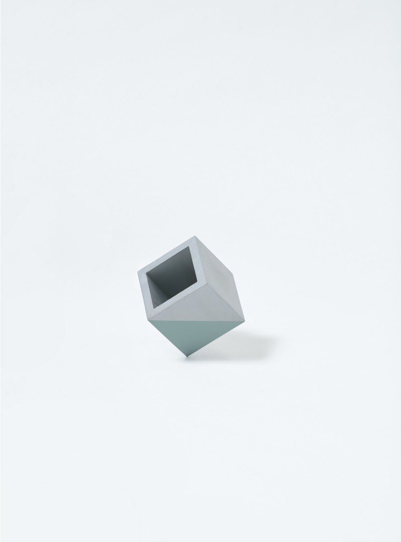 NIHAO | Cement pot small square (fog green)