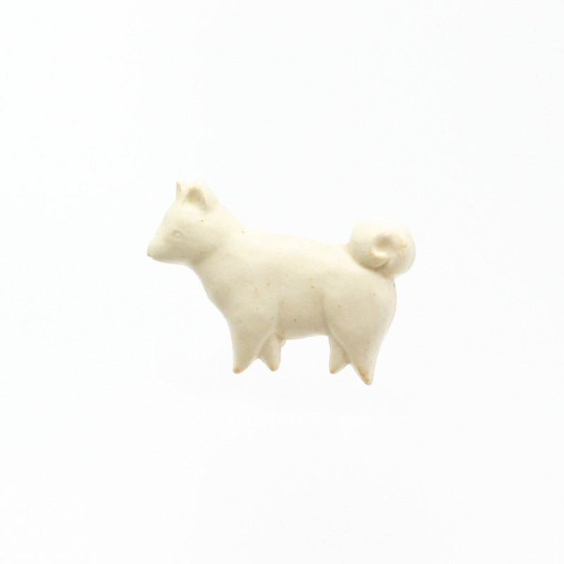 Pottery brooch dog (creation)