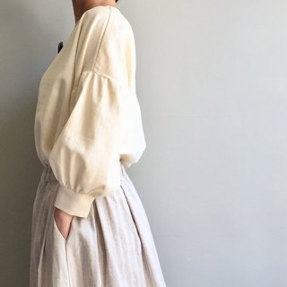 /Qiuyang Trail / Beige Linen Bubble Long Sleeve Short Top 100% Linen* Only One Piece