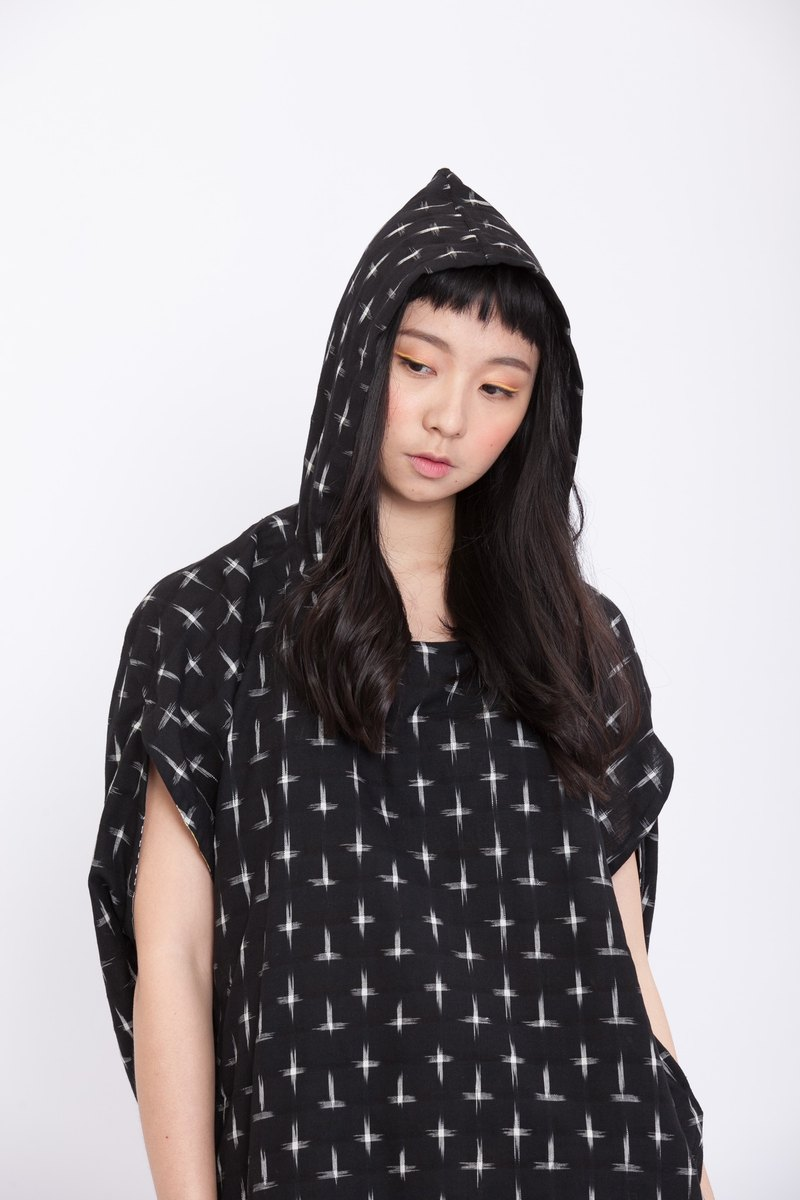 Round geometric with hood top-star-fair trade