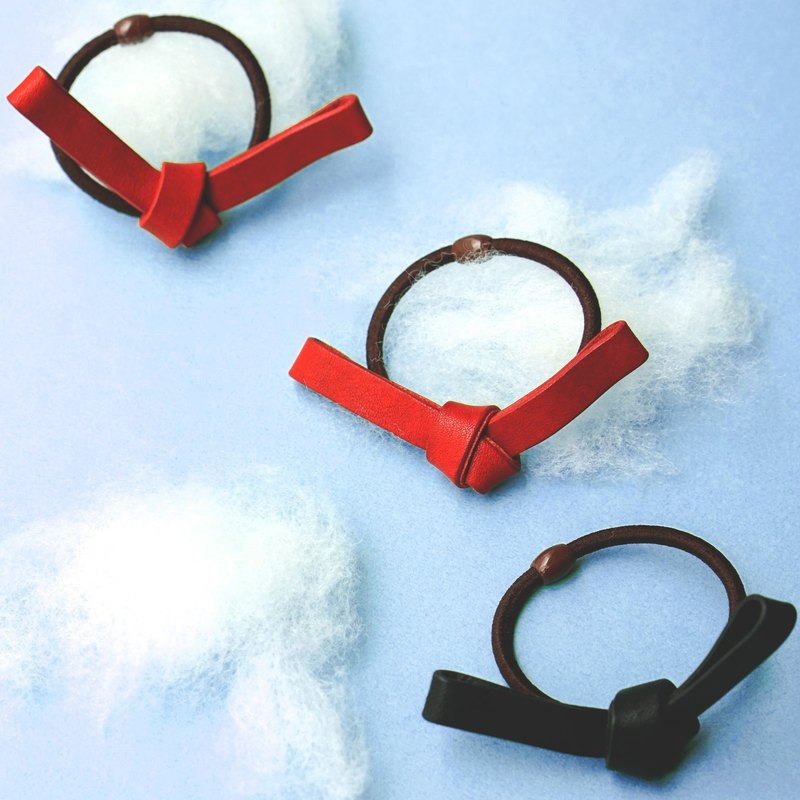 ◄ ► zero knots // leather hair band - handmade bow hair accessories