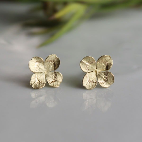 K18 Clover Stud earrings