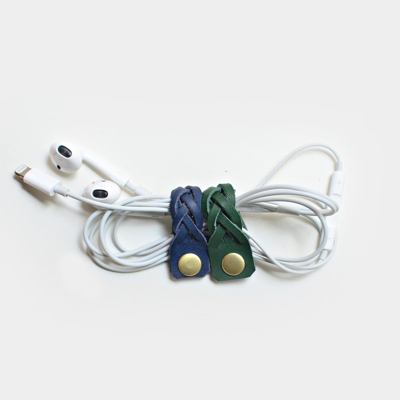 [Life knotted, but headphones will not] woven leather earphone storage clip blue green leather hub