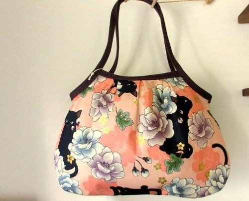 Black cat and peony Granny bag * orange (orange) color B