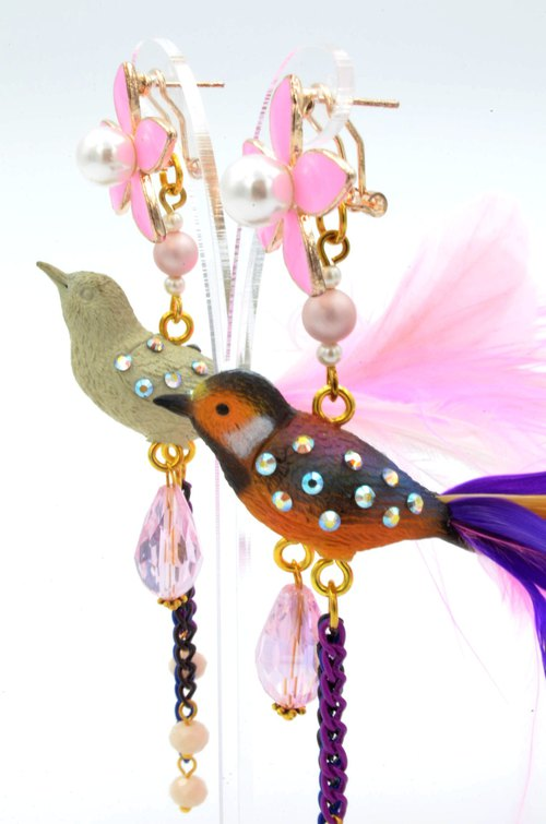 TIMBEE LO color long-tailed feather bird earrings limited edition of only a pair of stores simultaneously