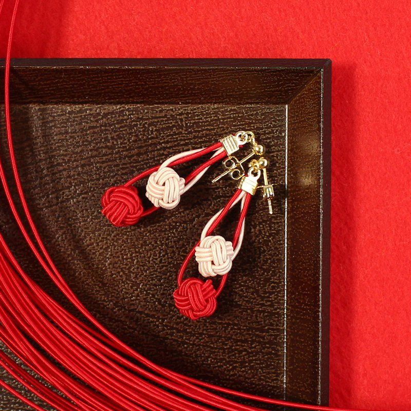 japanese style pierce earring / mizuhiki / japan / accessory / red