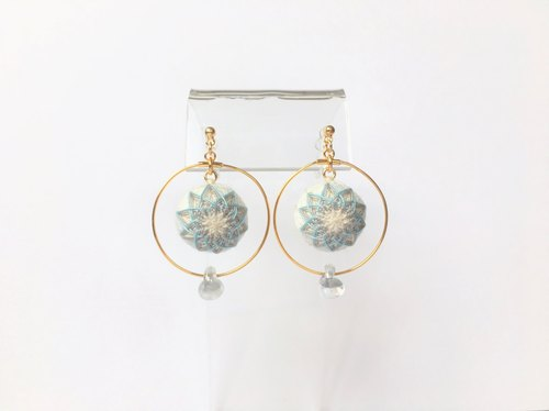 tachibanaya hoops comari TEMARI earrings simple white light blue gray flower