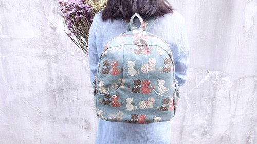 After the cloth cute cat elegant and practical backpack