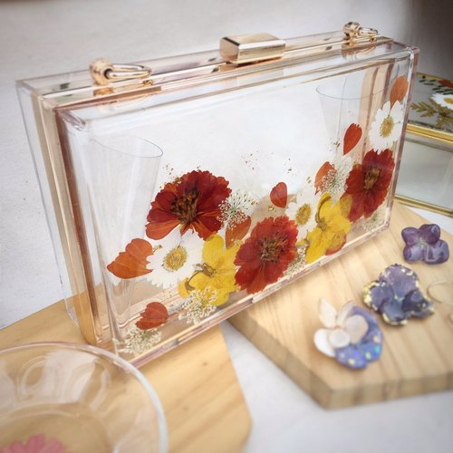 A limited amount of real flowers dry flowers holding flower bag evening bag daily package CLUTCH