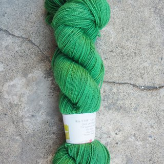 Hand dyed line. Green (Sock yarn)