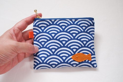 Nami Aomi of mini pouch-fish