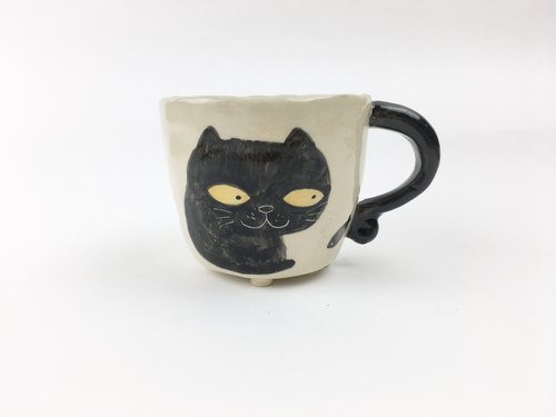Nice Little Clay Handmade Small Cup _ Thieves smile black cat sitting on the left 120310