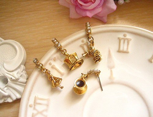 [Jolie baby] Alice tea party perspective Series - Mad Hatter tea party horn earrings rabbit group