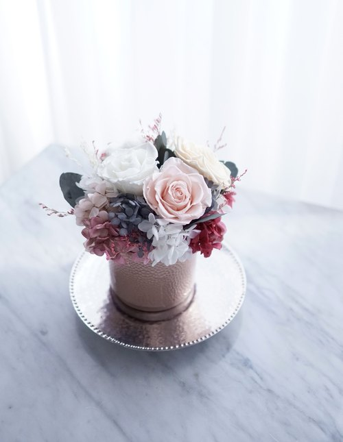 Opening ceremony flowers large champagne pink roses / hydrangea eternal flowers / cotton flowers withered