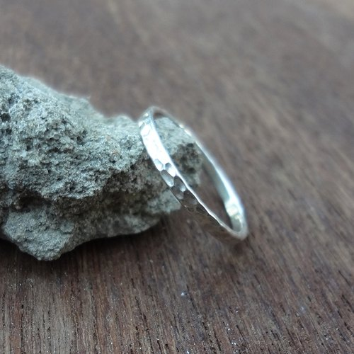 Checkered hand-for-tail sterling silver ring - tail ring