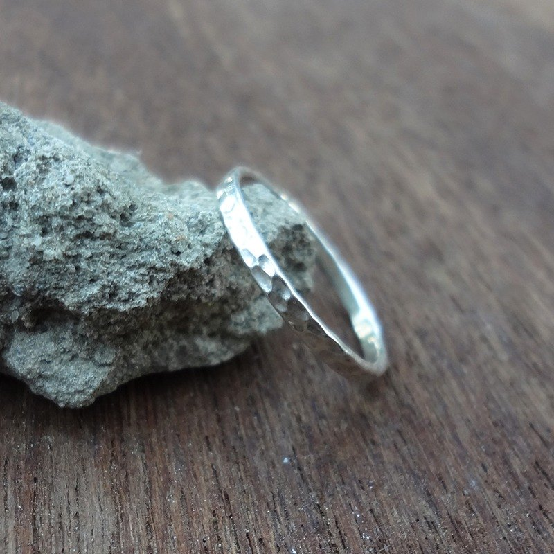 Plaid hand-forged sterling silver ring - tail ring