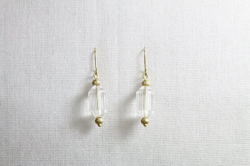 // Design brass acrylic earring // ve108