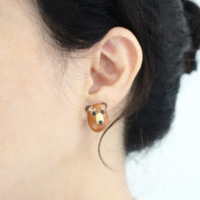 Brown Bear stud earrings / clip on earrings