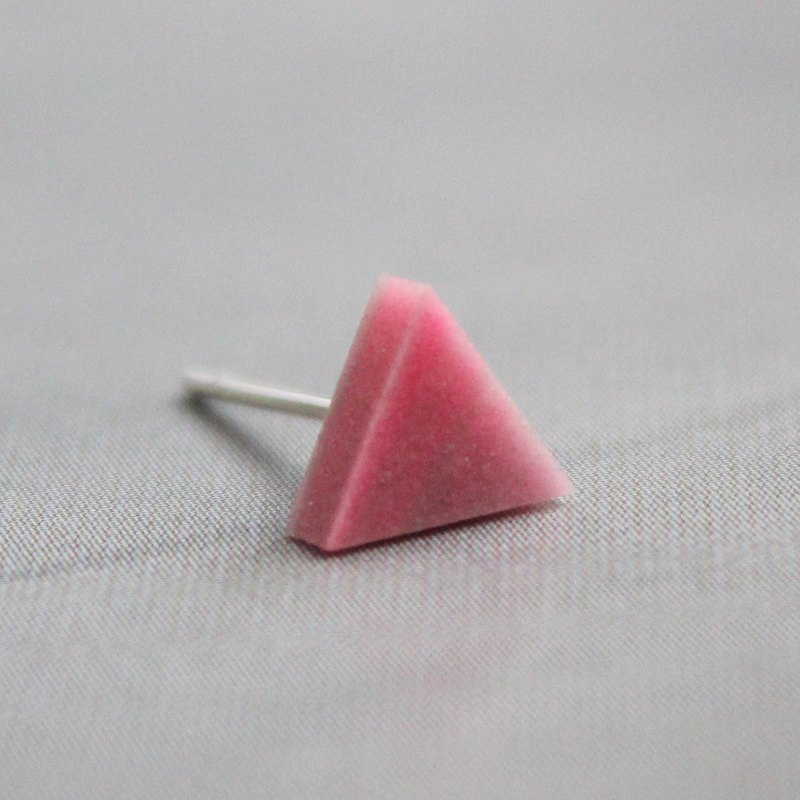 Triangle Earrings ▽ 117 / The Gloaming ▽ Single Stud