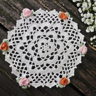 -Rose Small hand-made lace roses. Lace pad