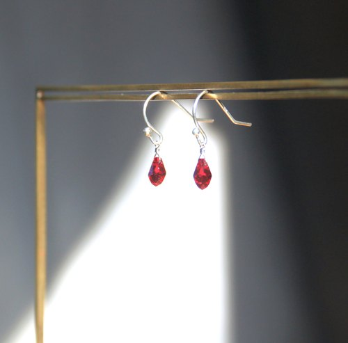 Minimalist Collection - Charm Burgundy - Opal - 925 sterling silver hand-made earrings Free clip-on silver gift wrap