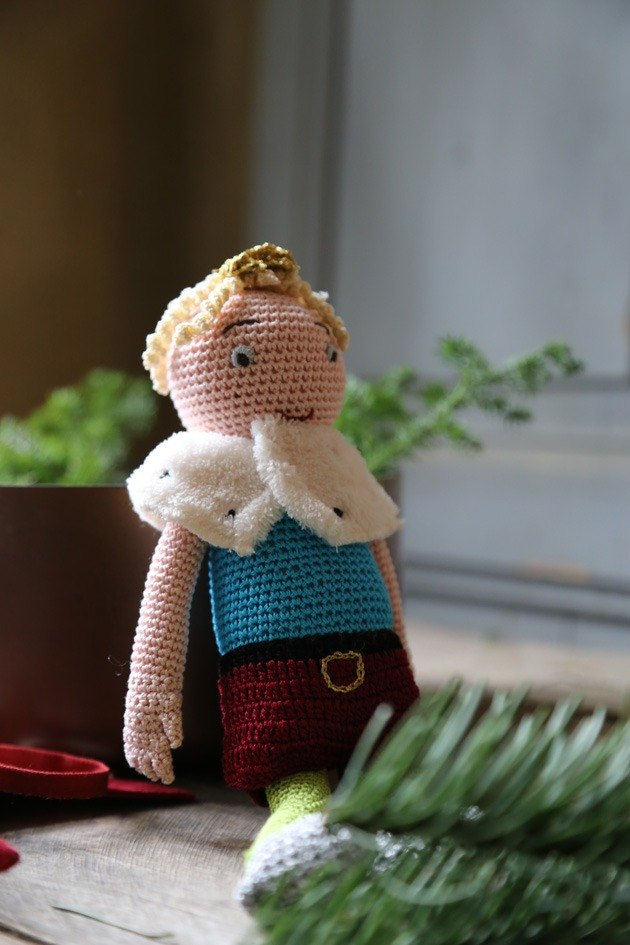 Knitting little prince