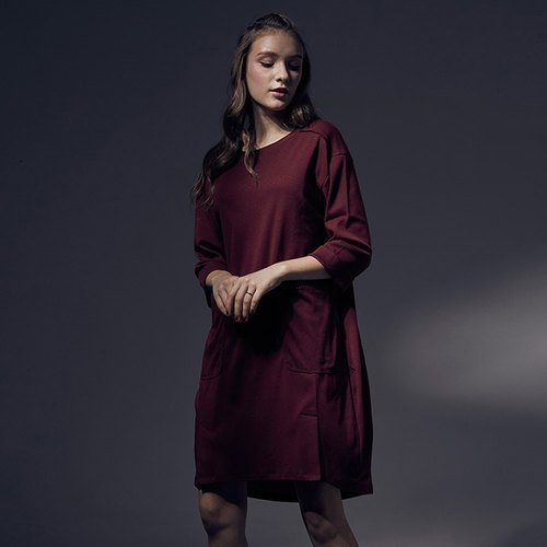Loose Side Cutout Pocket Dress