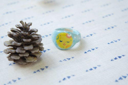 Powder blue yellow moon planet moon ceramic ring ring [limited goods]