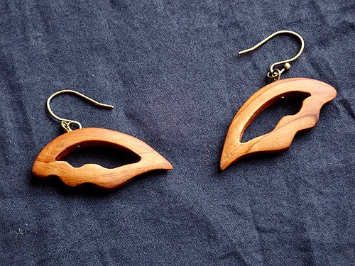 tensi-no-hane earrings (earrings available)