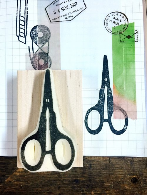 Cover which hand seal - medium size [stationery _ scissors]