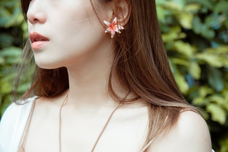 Like flowers series - Yun Sang (bilateral flowers) / hand earrings