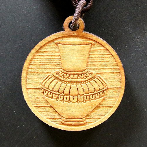 [Tibet] cypress wood with eight Swiss blessings Charm - Golden Aquarius (Fortune)