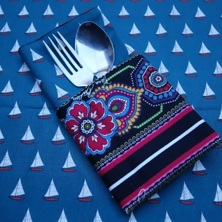 Blue sea boat X National Wind Totem Flower black double-sided placemat Boats in the sea & Flowers in Black placemats <one pair / 1 pair>