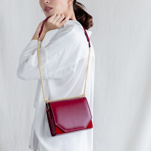 PANDORA SMALL - SMALL MINIMAL WOMAN LEATHER SHOULDER BAG-MAROON/ DEEP RED