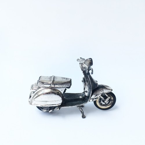 German nostalgic mini VESPA Vespa model | 925 silver German Seiko early collection