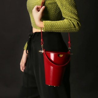 Red top layer cowhide round bucket bag side back handcuffs dual-use leather bag girl heart macarons