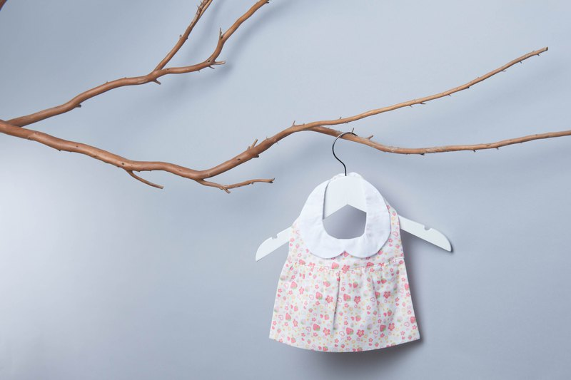 <Pure hand-made> Dress bibs - Strawberry sweetheart baby Japanese child bibs