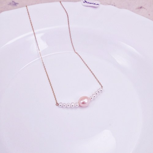 Two - color natural freshwater pearl smile 14KGF clavicle chain