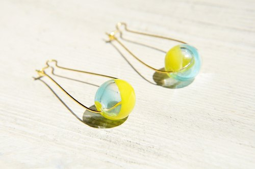 / Simple sense / retro golden hue oval brass earrings auricular ear hook ear hook - Sunny ocean gradient glass drops