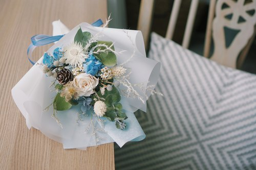 Tanabata Valentine's Day flower gift | Eternal Rose Bouquet - Blue and White Eternal Flower + Dry Flower Tanabata Gift