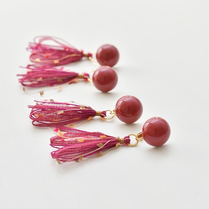 Dome tassel earrings/wine red