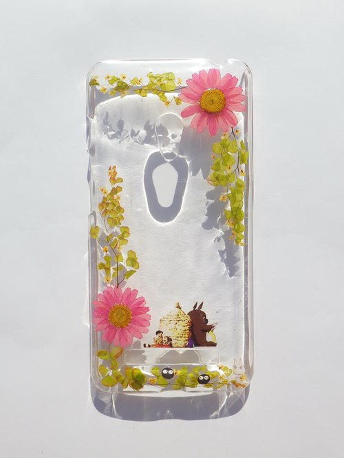 Pressed flowers phone case, Handmade with dry flowers, ASUS Zefone 5, Totoro
