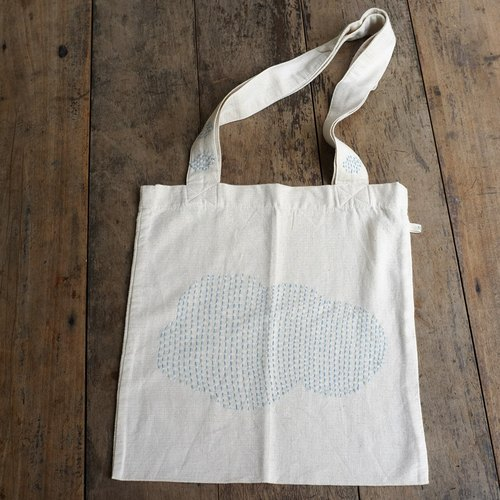 linnil: Partly cloudy tote bag project
