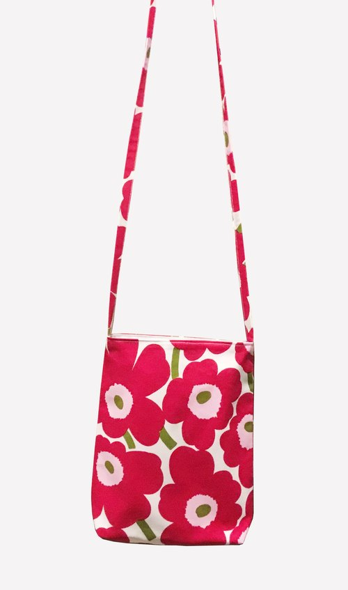 Special selection Nordic Finland Marimekko cotton fabric oblique red flower pink core poppy flower cloth bag