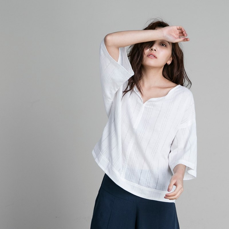 V-neck Cropped Sleeve Top - White Cotton