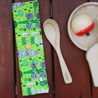 Wen Qing style green chopsticks bag ~ green and green small white bear storage package. Forest. Green chopsticks bag. Hand made cutlery bag. Exchange gift. Environmental protection. Cute animal