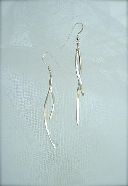 A gentle curve earrings (Long)