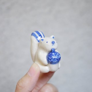 Tiny creatures - Squirrel porcelain